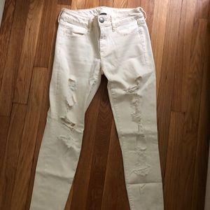 American Eagle Crème/white distressed jeans